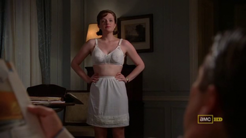 mad-men-4x06_peggy-in-her-underwear-500x282